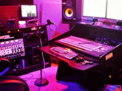 music-recording-at-underdog-studios