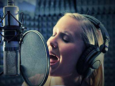 voice-recording-at-underdog-studios
